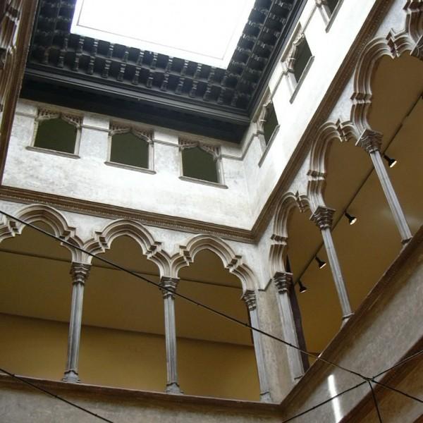 Palacio Torrero - Colegio Arquitectos Aragón. Foto ecelan CC BY 2.5